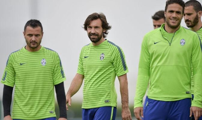 Juventus, rifinitura a Vinovo. Pirlo festeggia i 36 anni