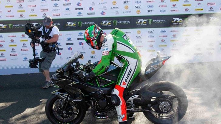 "Kawasaki H2R come un ""jet"": 331,2 km/h"