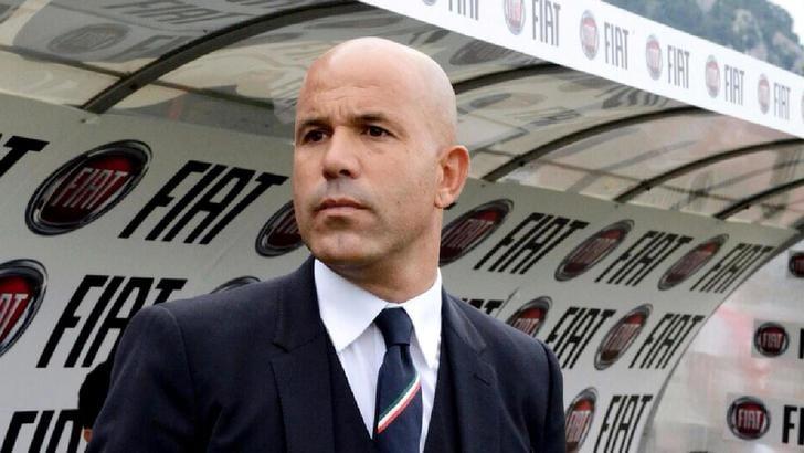 Tavecchio: «Conferma di Di Biagio? Decide Conte»