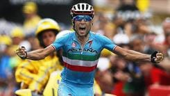 Tour, show Nibali: fuga solitaria e tappa