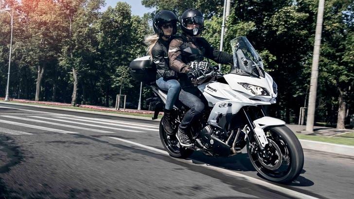 Kawasaki: la Versys 650 si tinge di nuovo