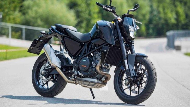 KTM Duke 690: nel 2016 sarà più potente