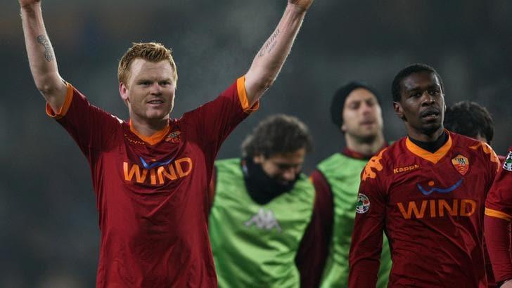 La celebrazione di Riise: «Totti grande giocatore»