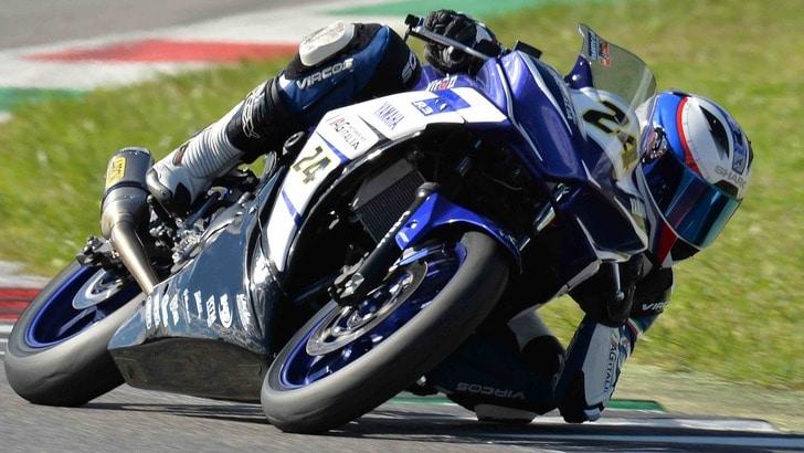 """Yamaha R3: debutto ok per la """"mini"""" MotoGp di Rossi e Lorenzo"""