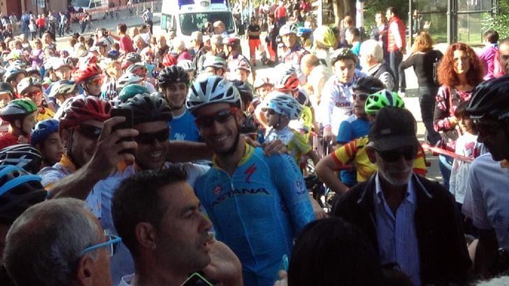 Ciclismo, tutta la Sardegna in bici per Fabio Aru