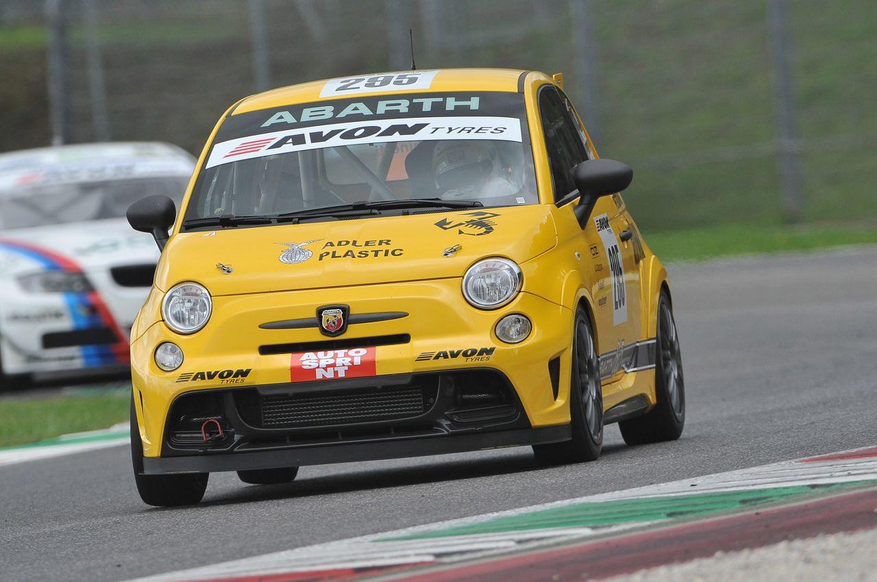 Abarth 695 Assetto Corse Record, esordio in pista