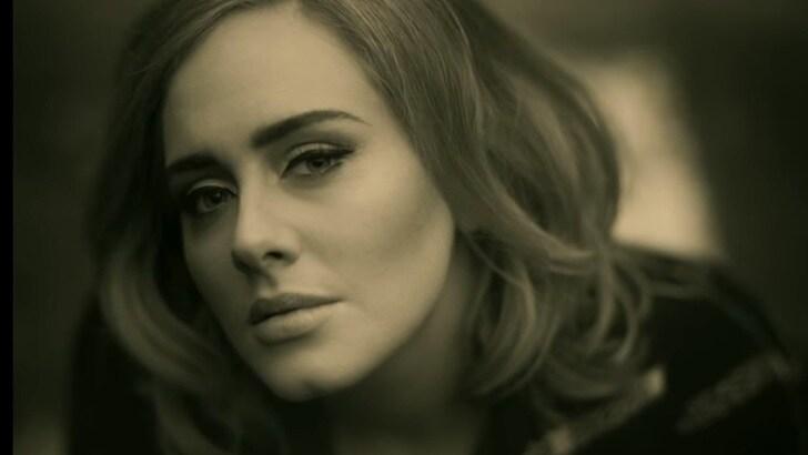 """Adele, ecco il nuovo singolo """"Hello"""""""