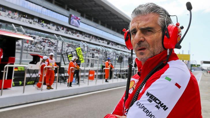 F1 Ferrari, Arrivabene: «Hamilton, ci vediamo nel 2016»