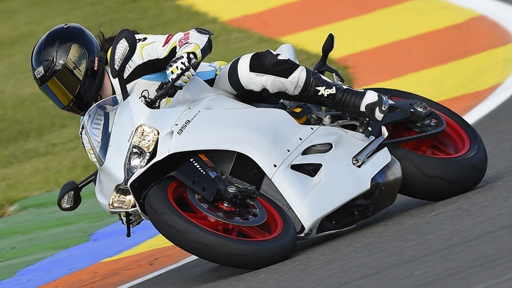 Ducati 959 Panigale, il test: equilibrio stabile