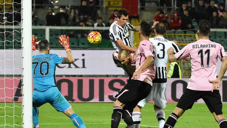 La Juventus non si ferma più: Mandzukic-Sturaro-Zaza e Palermo va ko