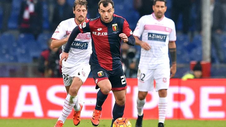 Serie A Genoa, difesa a tre con Pandev davanti