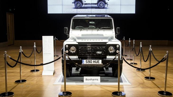 Land Rover Defender venduta a 550 mila euro, è record