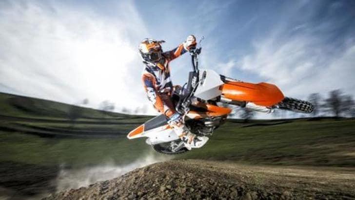 """KTM """"richiama"""" la gamma cross 2016"""