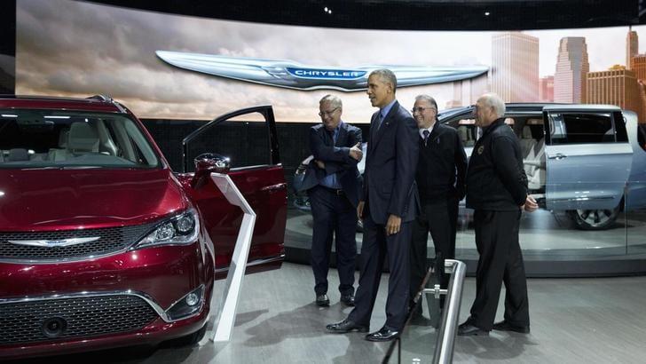 Salone di Detroit: Obama sale sulla Pacifica e sulla Bolt