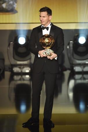 Giorgio Armani veste Lionel Messi e Neymar JR.