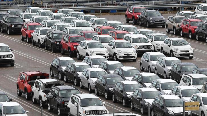 Auto, gennaio da record: vendite al +17,4%