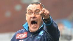 Serie A Napoli,tuta e sigaretta: Sarri è sempre Sarri