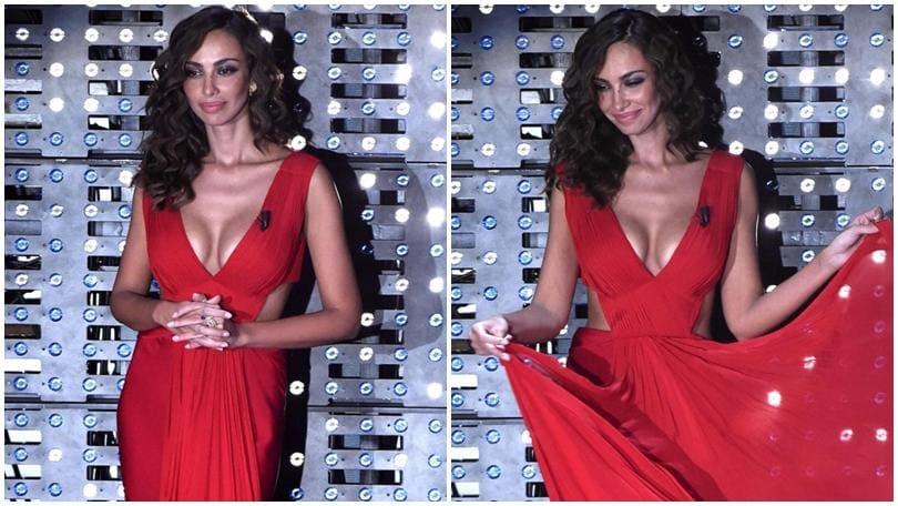Sanremo, Madalina Ghenea: esagerata in abito rosso