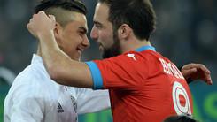 Juventus-Napoli, che abbraccio tra Higuain e Dybala