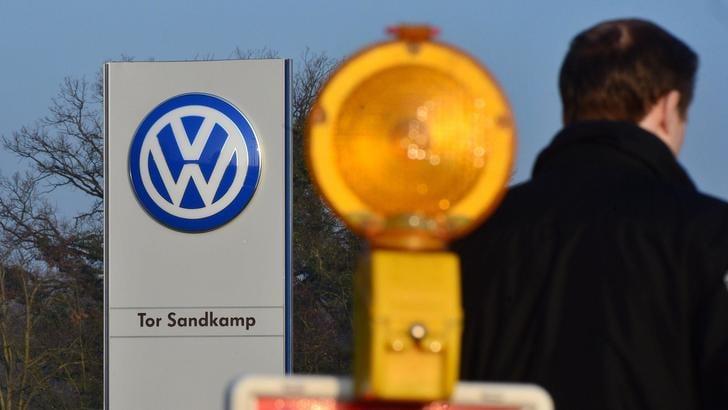 Volkswagen e Porsche: richiamate 800.000 Touareg e Cayenne