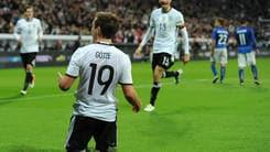 Euro 2016, Germania-Italia 4-1 in diretta. Kroos al 24', Goetze al 45', 59' Hector, 75' Ozil (rig.), 83' El Shaarawy