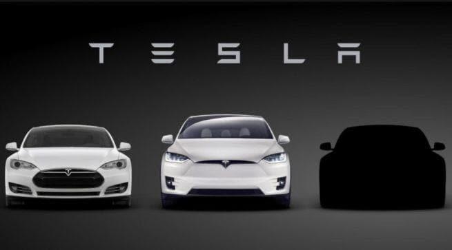 Tesla Model 3: la baby-elettrica per