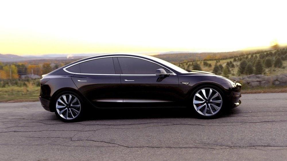 Tesla Model 3, concorrente elettrica di Audi A4