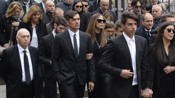Milan: più di mille persone ai funerali di Cesare Maldini