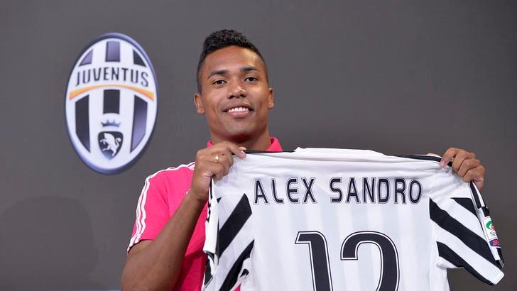Calciomercato Juventus: «Manchester United, se vuoi Alex Sandro fanno 45 milioni»