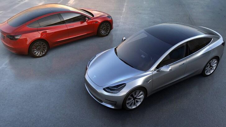 Tesla Model3: 325.000 prenotazioni al… buio