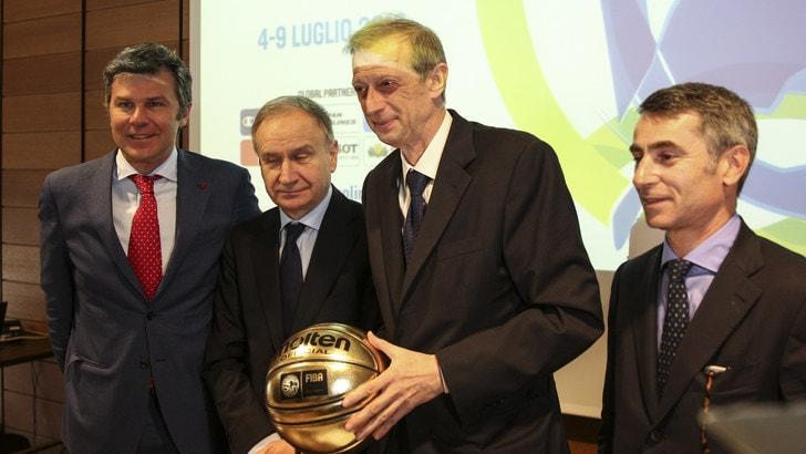 Basket, Petrucci a Torino per i Giochi, Marino addio