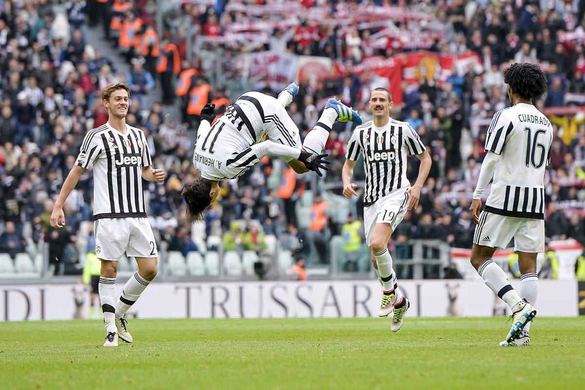 Serie A, Juventus-Carpi 2-0: capriola Hernanes, poi Zaza