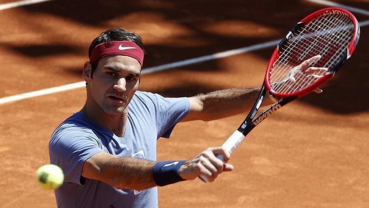 Tennis, Federer salta Madrid: «Spero di esserci a Roma»