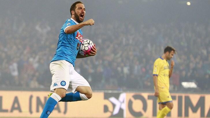 Serie A, il Napoli chiude secondo: Higuain da impazzire, superato Nordahl