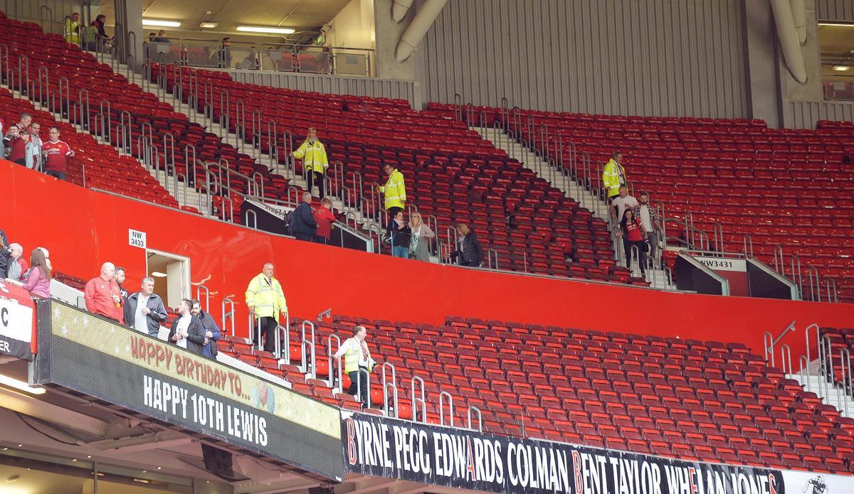 Allarme bomba all'Old Trafford: evacuati i tifosi del Manchester United