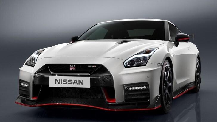 "Nissan GT-R Nismo, ""Godzilla"" ha gli artigli più affilati"