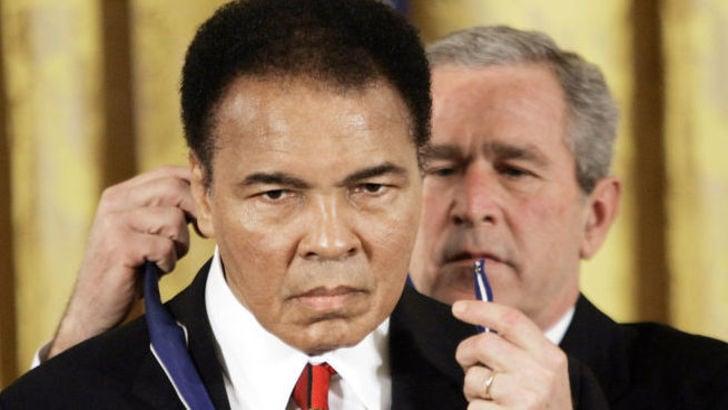 «Muhammad Ali ricoverato in ospedale per problemi respiratori»
