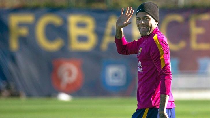 Calciomercato Juventus, dalla Spagna: «Psg, assalto finale per Dani Alves»