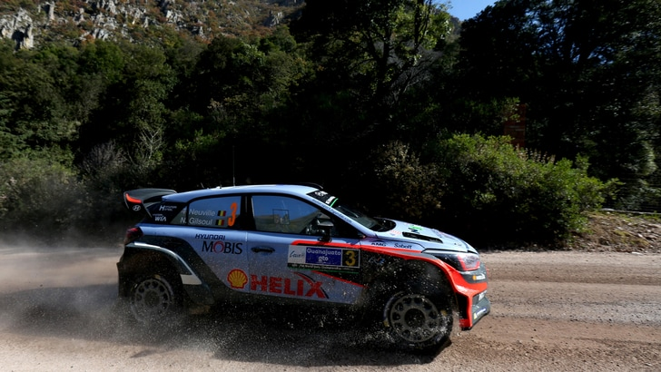 Rally, in Sardegna vince Neuville