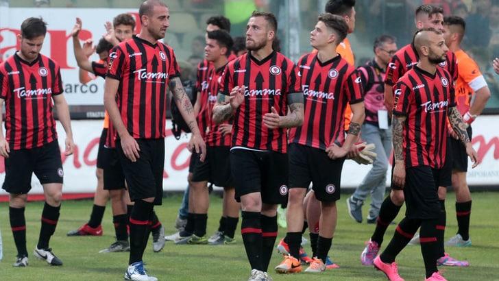 Lega Pro Foggia batte Vibonese 3-0: in testa con il Lecce
