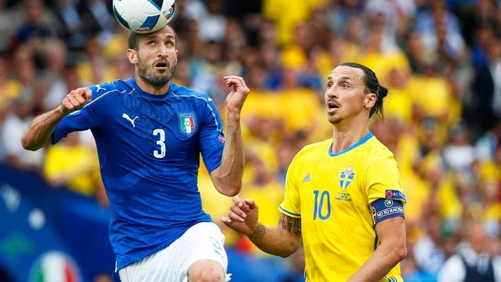 Euro 2016 Svezia, Ibrahimovic: «Chiellini? Tutto bene altrimenti sarebbe all'ospedale»
