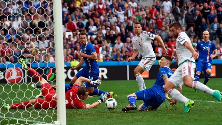 Euro 2016, Islanda-Ungheria 1-1: l'autogol di Saevarsson avvicina i magiari agli ottavi