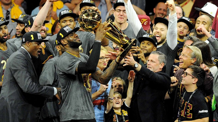 Basket, Nba: Cleveland campione, LeBron James stende Golden State