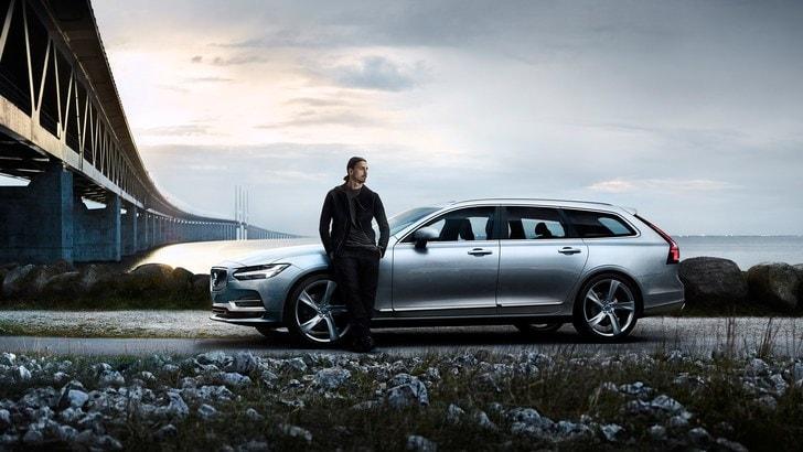 Ibrahimovic lascia la Nazionale e torna a casa in Volvo