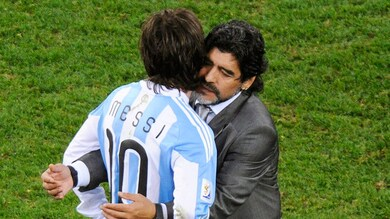 Maradona difende Messi: «Lasciatelo in pace, è un vincente»