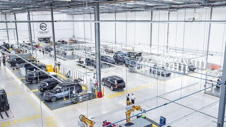 Jaguar Land Rover apre il Centro Tecnico SVO