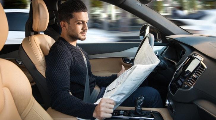 Volvo, la guida autonoma sarà pronta nel 2021