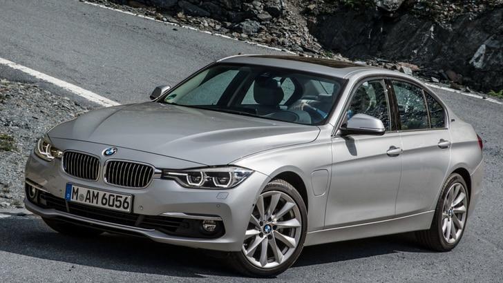 BMW 330e, la prova doppia – ibrida plug-in e pure sportiva