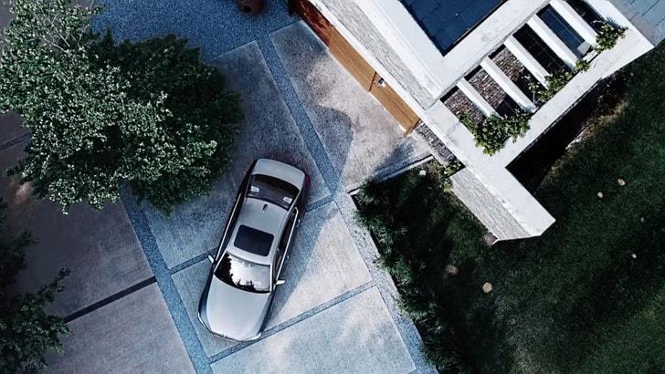 Nuova BMW Serie 5: la visione remota a 360°