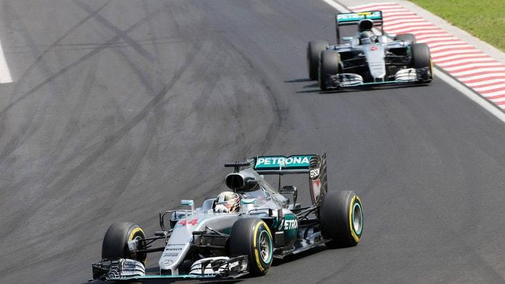 F1 Gp d'Italia: alle Mercedes le terze libere, poi le Ferrari